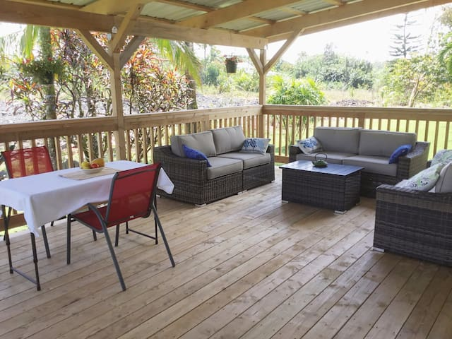 Covered lanai for socializing and relaxing