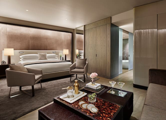 Tribute Suite in the heart of Times Square