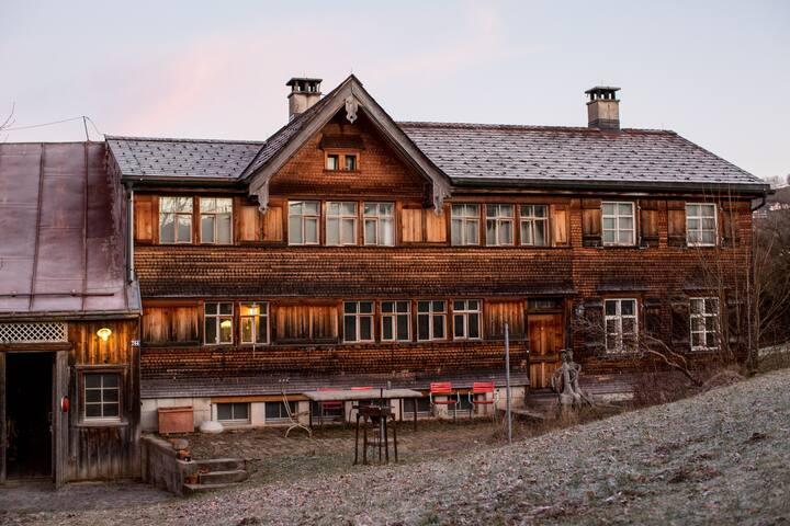 Bauernhausromantik mit Säntisblick