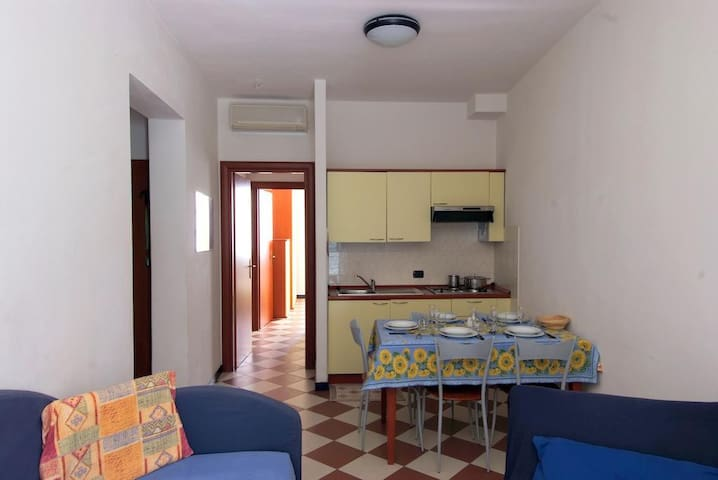 One-Bedroom Apartment (4 Adults) 12