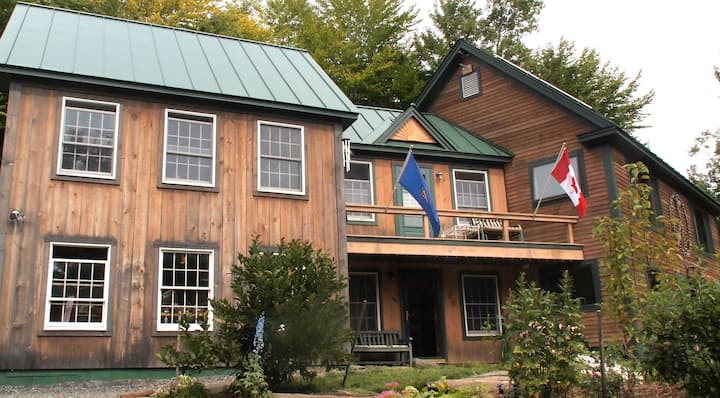 """Comfy Vermont Apartment in """"Green"""" Country Home"""
