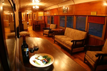 Carriages Spa Retreat - Roslynmead