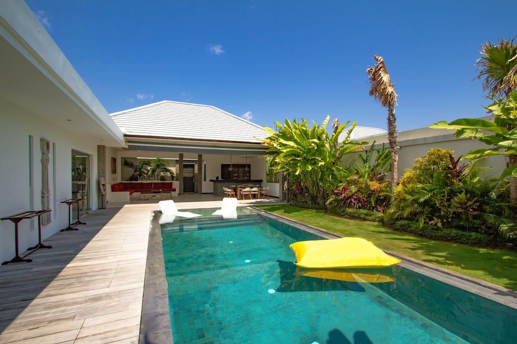 Large pool villa