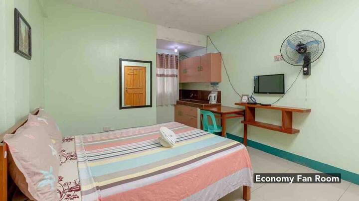 Tagaytay Budget Room (2A) - Fan Room