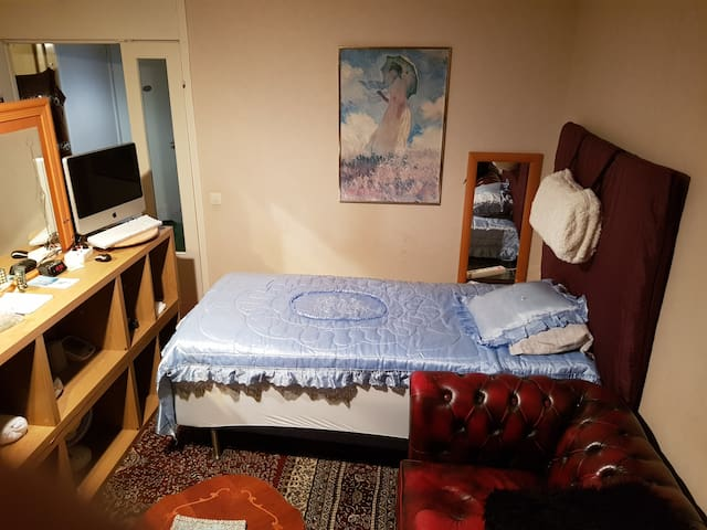 Single room available close Arlanda Airport