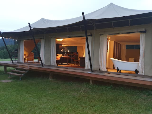 Kanimbia Luxury Glamping -Self isolate on  50acres