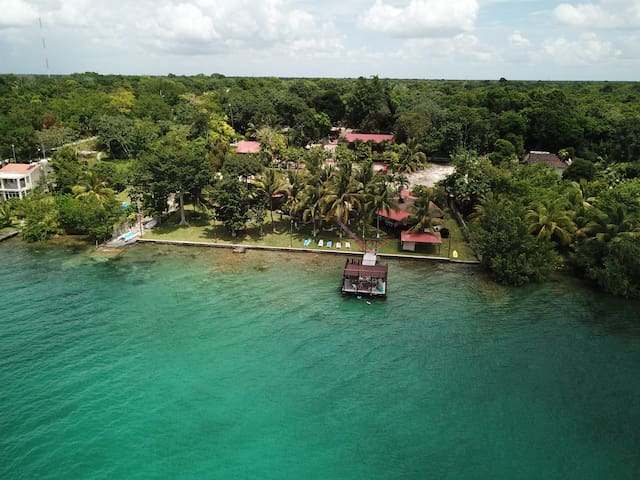 Cora´s Place Bacalar-Private Lagoon front Villa
