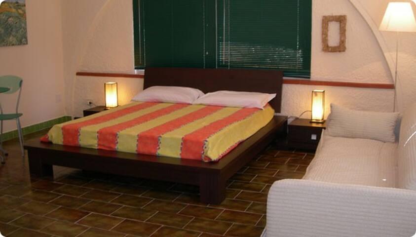 La Corte b&b quadrupla 'Pistacchio' - Fontane Bianche - Bed & Breakfast