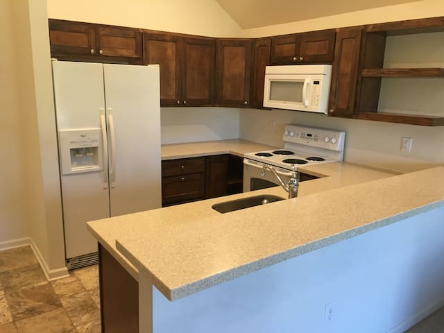Indy 500 Getaway! Near-Northside Private Apartment - Indianapolis - Loft