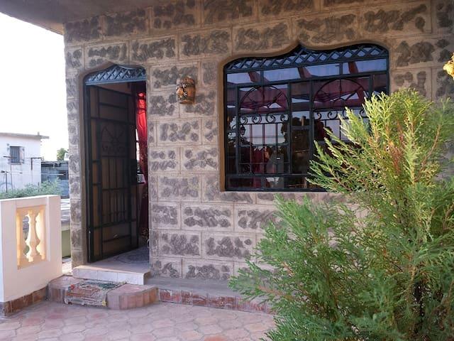 Hostal Mónica - Cienfuegos - บ้าน