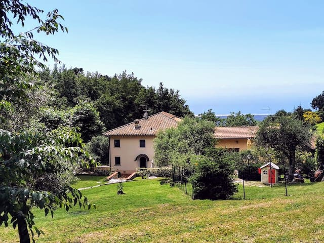 "Presentation of the homestead ""La Dama del bosco"""