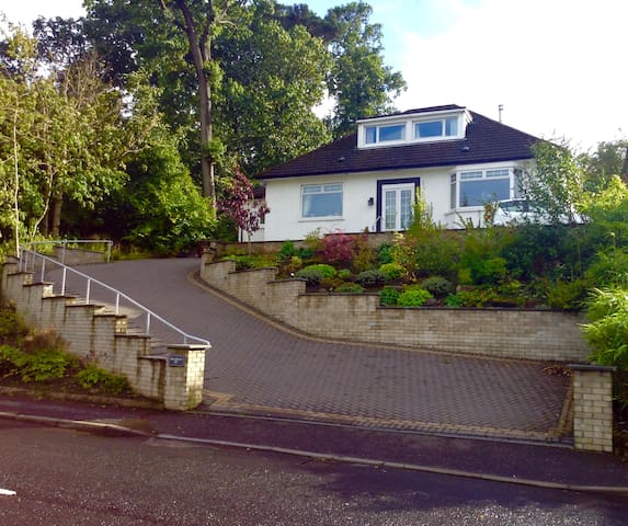 Double bedroom, lovely peaceful home -great views! - Clarkston