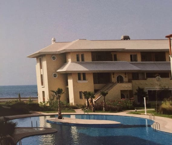 Luxueux appartement front de mer. - Bouznika - Huoneisto