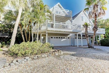 Beautiful North Gulf Villa Luxurious Townhome - Holmes Beach