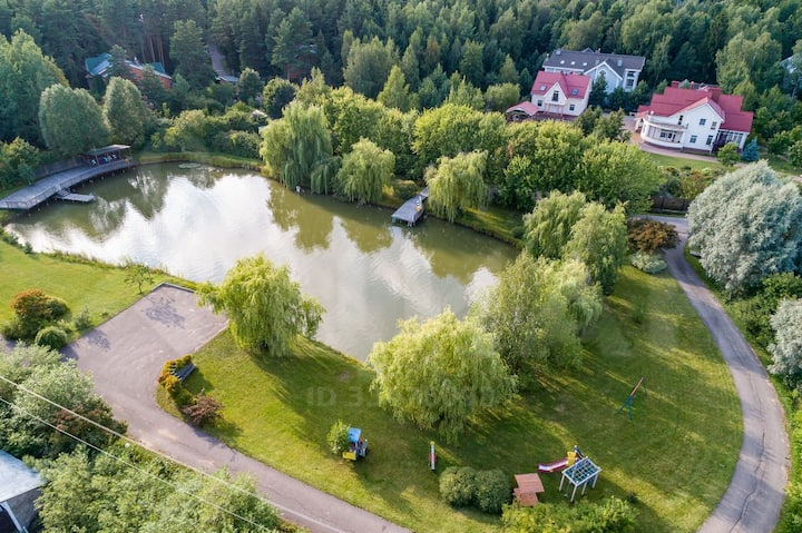 Дом у лесного озера Голицыно