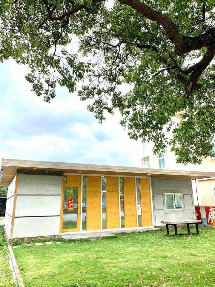 包棟包棟 進花蓮市區輕奢日系風 獨立別墅帶卡啦ok和室外草坪燒烤區 帶倆個私家停車位