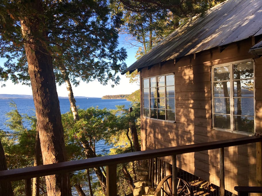 Rustic roomy lake champlain cabin thompson 39 s pt for Lake champlain cabins and cottages