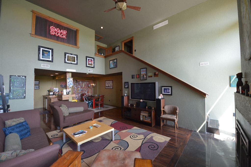 Spacious and open living room/dining room/kitchen area
