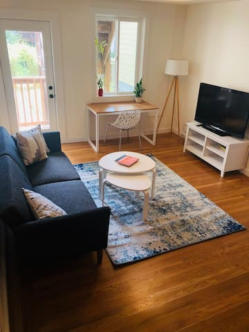 Remodeled suite in a perfect Inner Sunset location