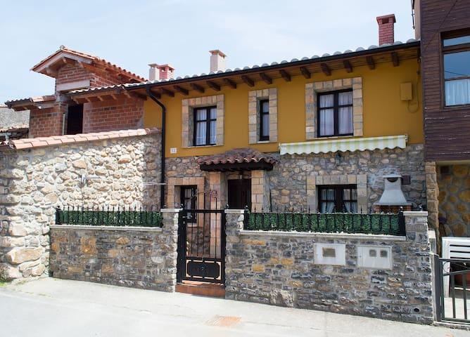 La Ermita - Colunga - Hus