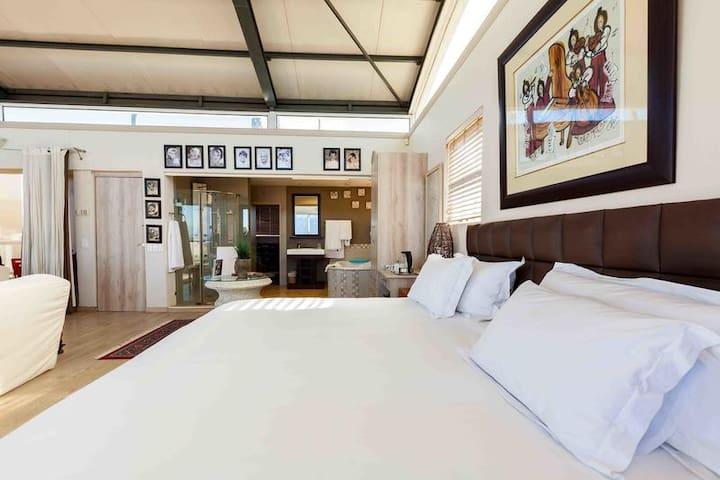 Table Mountain Penthouse photo 1