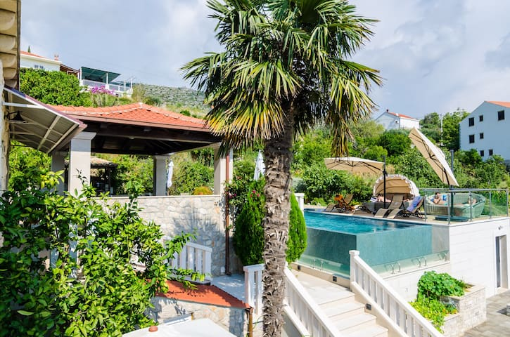 One-bedroom apartment in Orašac villa with pool - Orašac - อพาร์ทเมนท์