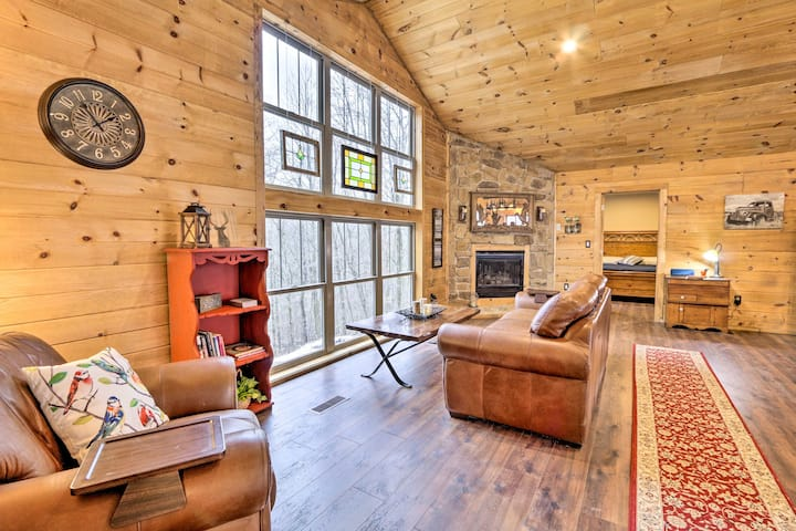 Brand-New Cabin ~ 7 Miles to Mohican State Park!
