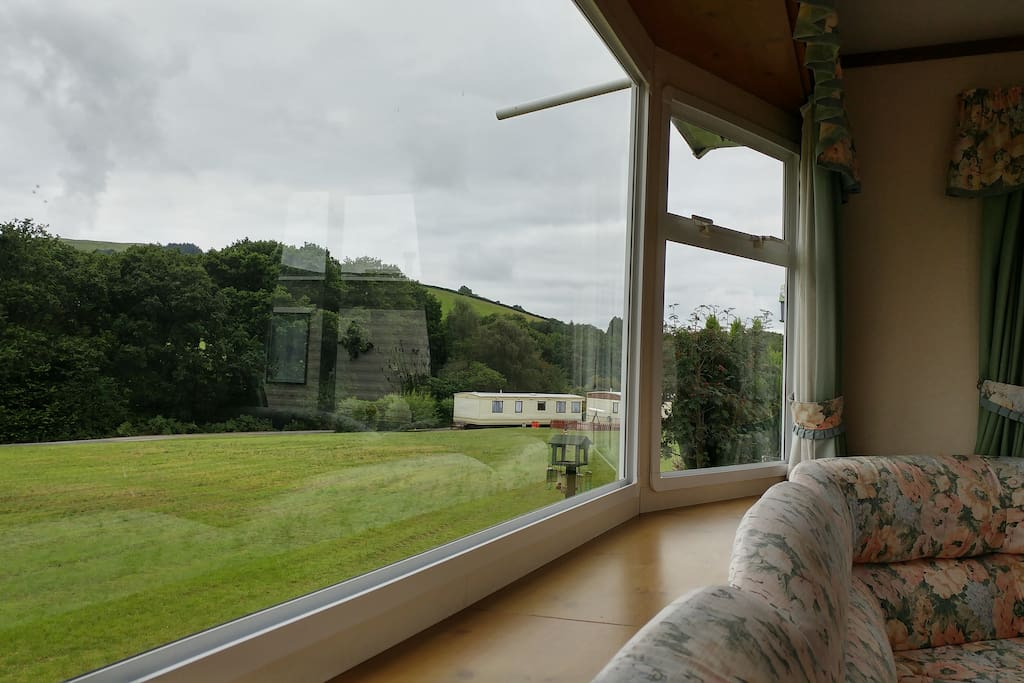 Quiet comfortable caravan with gorgeous views in powys for 8 living room tree houses powys