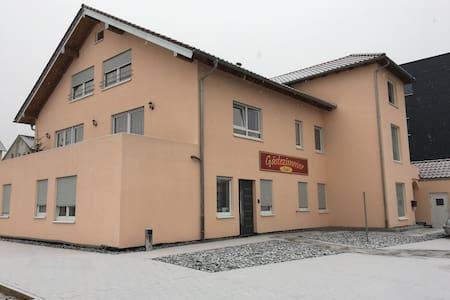 Gästezimmer Faut - Schorndorf - Casa