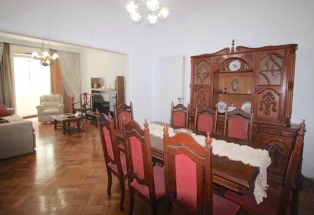 Mesa de jantar para 8 pessoas / Dinning table for 8 people