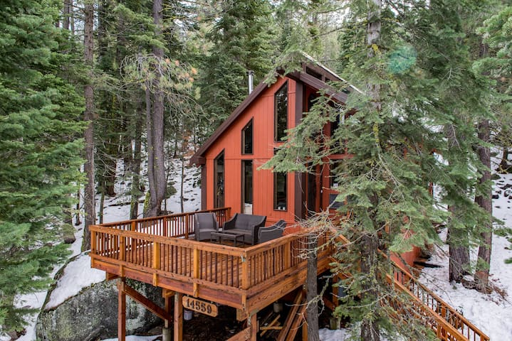 Handcrafted Forest Home - Truckee - Cabaña