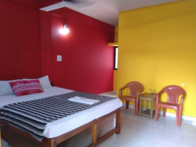 Room 308 Red & Yellow