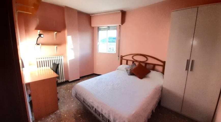 Mayte's place (habitación doble, desayuno,wifi,tv)