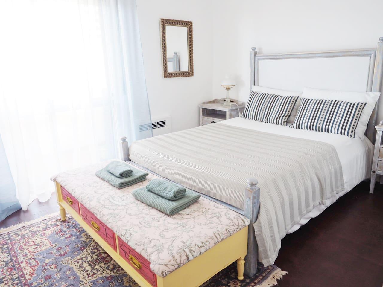 Room Serena