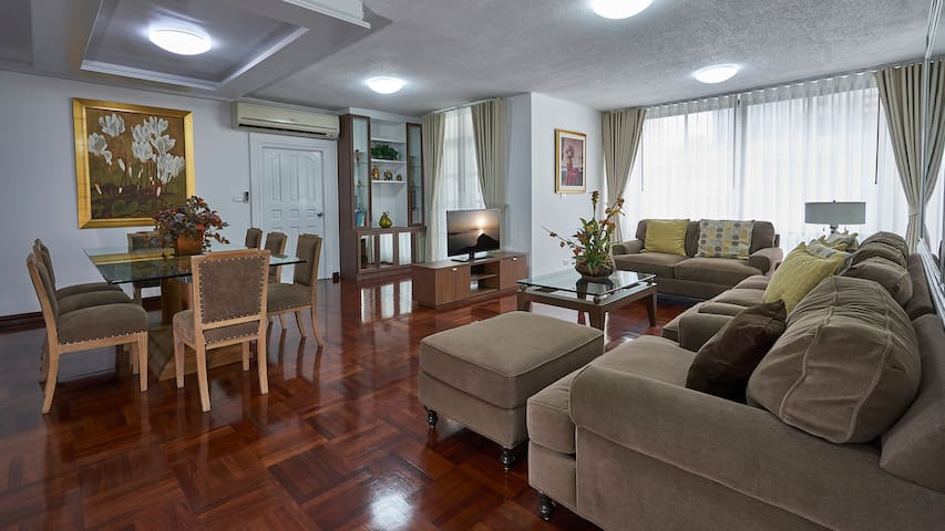 Spacious 3 bed Apt near Chidlom Station
