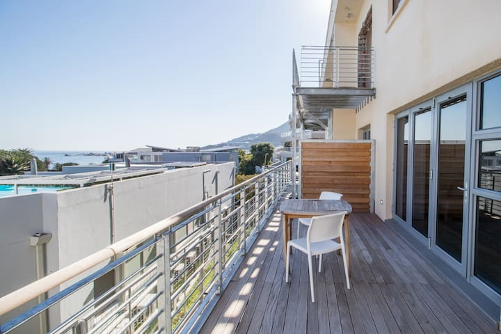 One bedroom studio apartment on Camps Bay Drive