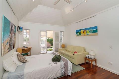 Loft apartment with sea views 🌊