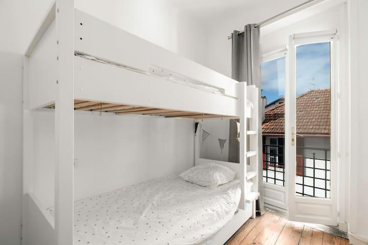Chambre lit superposés