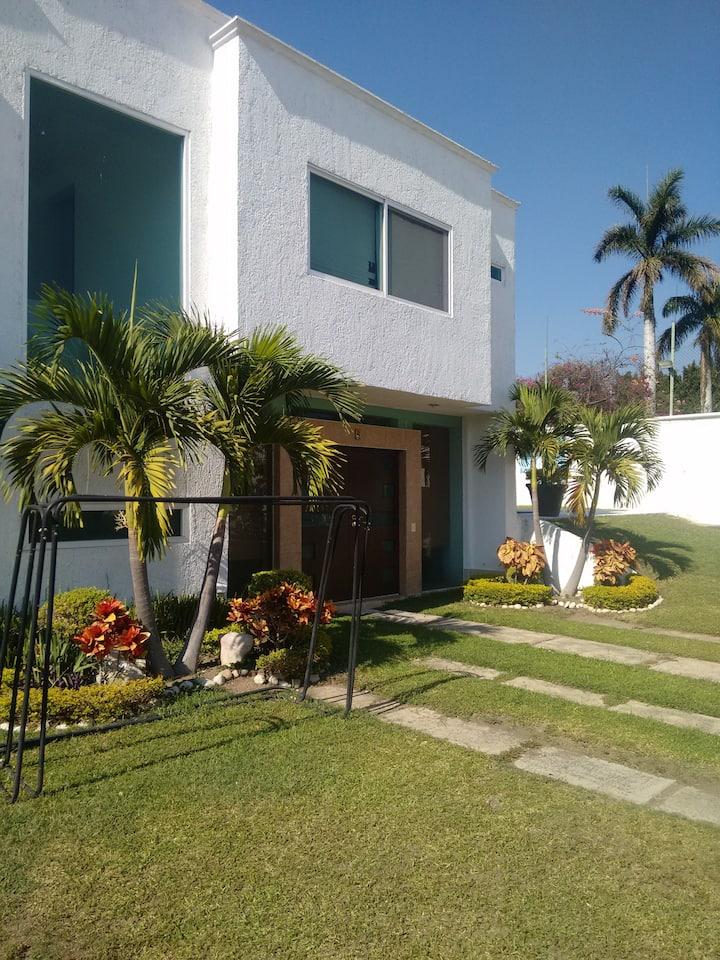 Excelente alojamiento en Oaxtepec con internet.