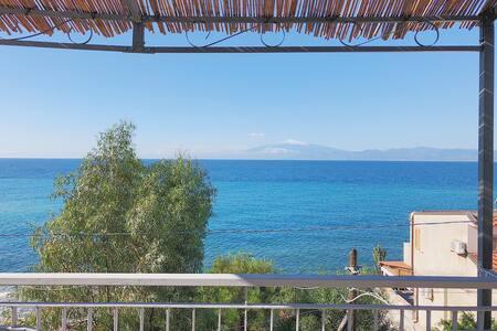 Casa  al mare a Lazzaro per vacanze e relax