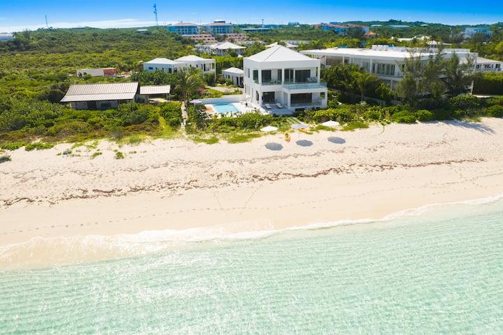 Beachfront on the Grace Bay, DelEvan 4E