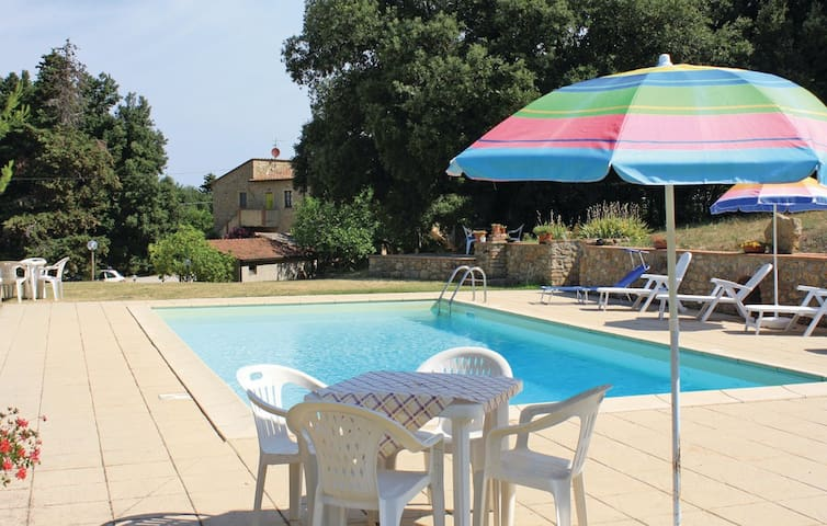 Apartment in farm-house, pool, b&b - Pomarance - Apartamento