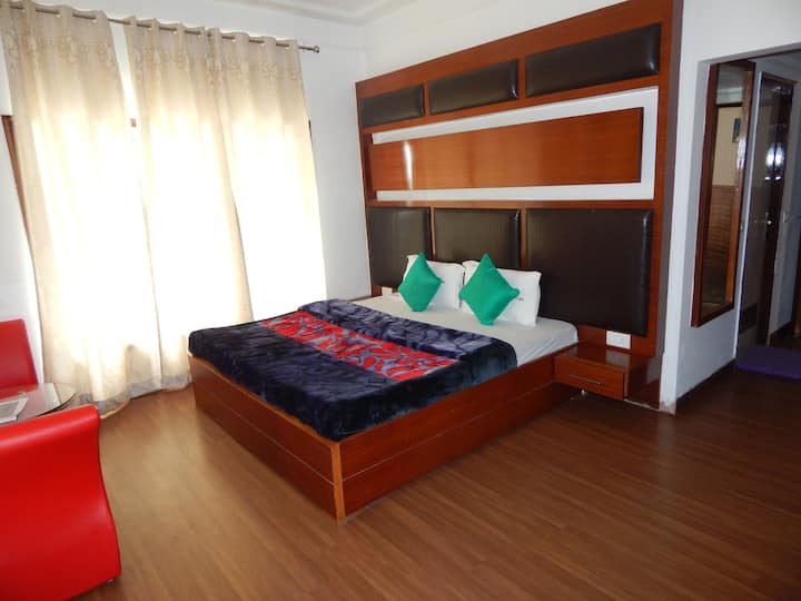 Super deluxe room | Balcony | Pine forest View