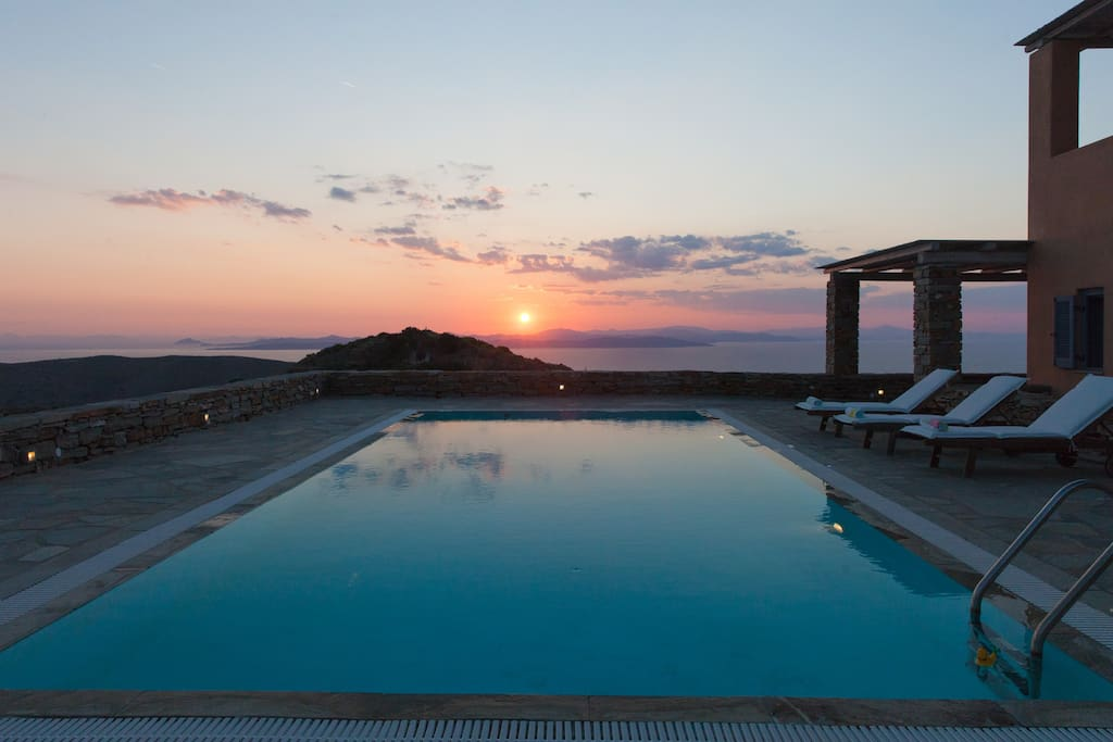 Villa levanda in the island of kea ville in affitto a for Isola di kea grecia
