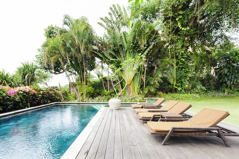 Tranquil Luxury Villa with Private Pool, Steps from Beach