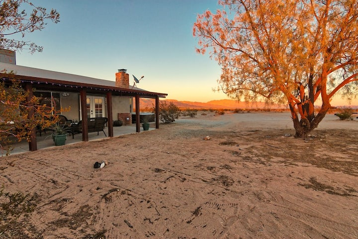 MESA SILVERADO  Luxe Desert Hideaway w/Outdoor Spa