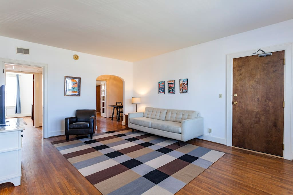 """Loved this condo! Stay was awesome!""  Permit #201527863"