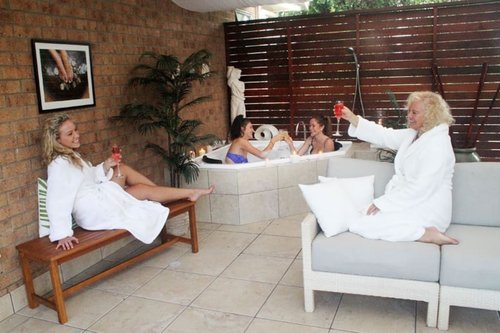 Relaxing in the Mediterranean day spa