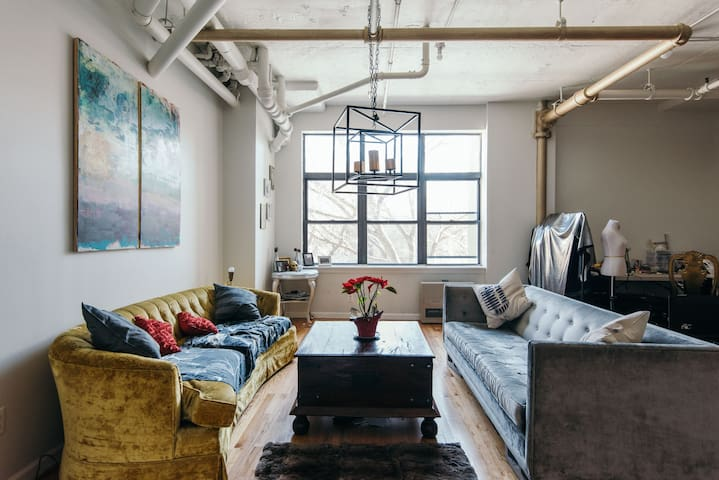 Beautiful 2 bed Artists Loft - Williamsburg