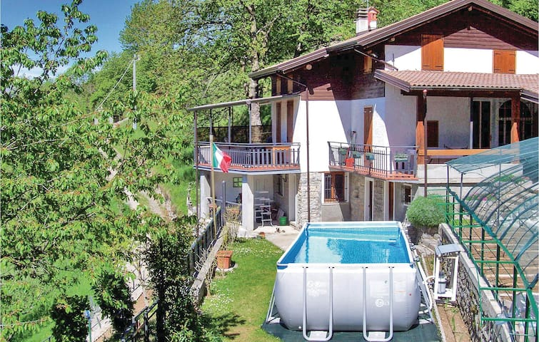 Holiday cottage with 3 bedrooms on 110m² in Esino Lario LC